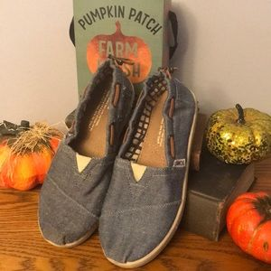 🍁🍂 Toms blue jean youth size 3 🎄🌲